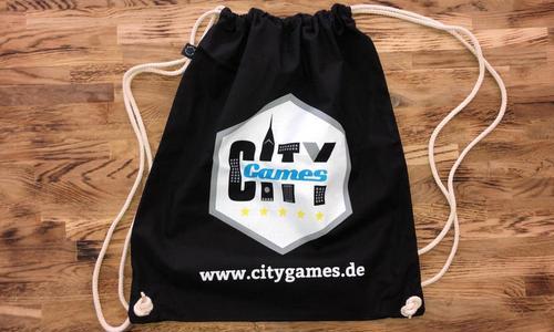 CityGames JGA Frauen Tour Sportbeutel schwarz auf Holz
